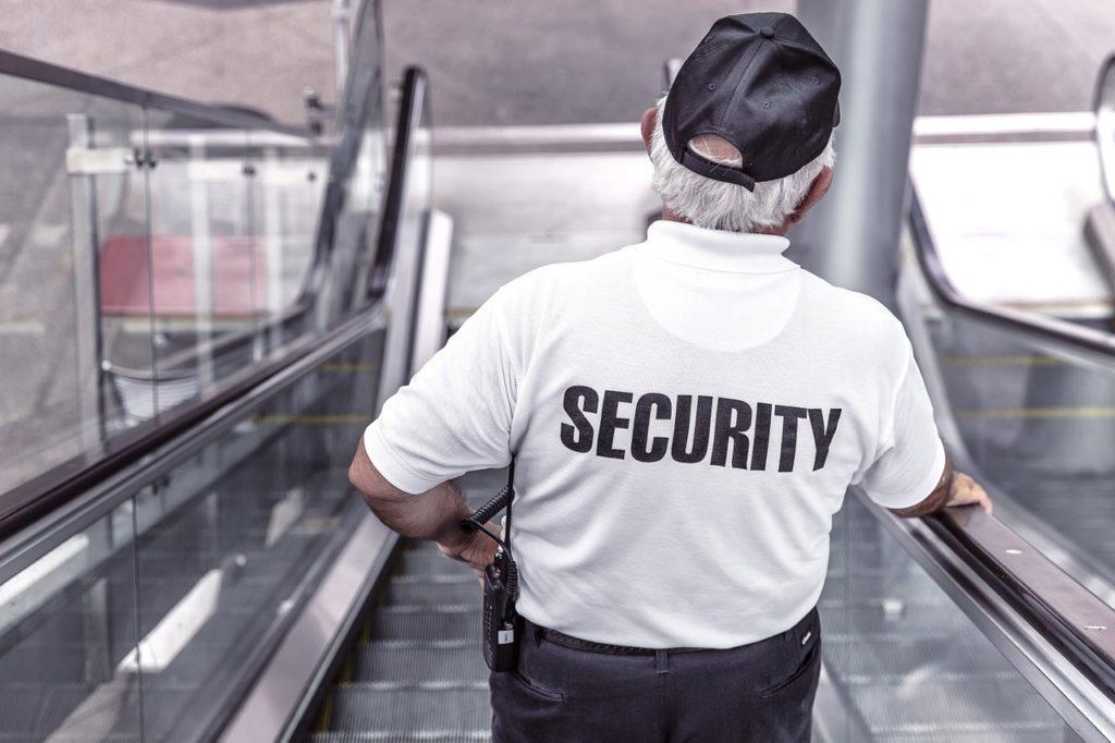 Sådan administreres menneskemængder ved events: Du har brug for et veluddannet sikkerhedsteam til dit event. Det eller John Wick.