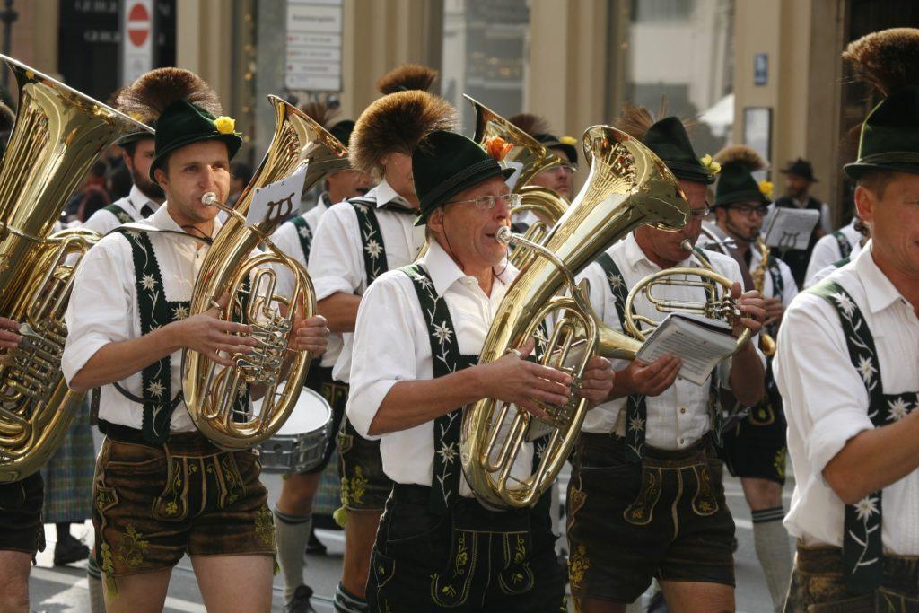 Eventideer til Oktoberfest: Ingen får festen i gang som disse fyre.